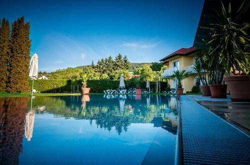 Фото отеля Dorf Hotel Gruner Baum
