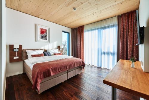 __{offers.Best_flights}__ Hotel 2050