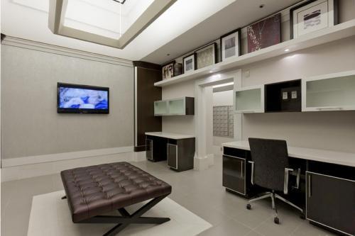 Global Luxury Suites at Howard Street photo 5