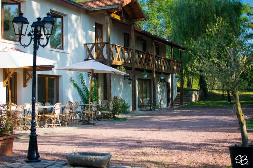 La Ferme aux Biches - Accommodation - Commelle-Vernay