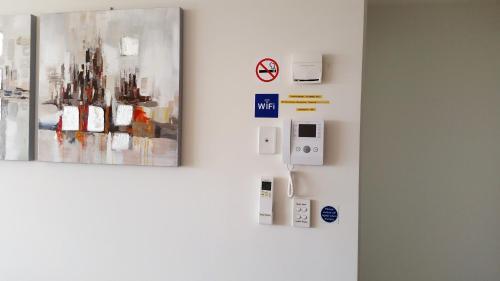 Sydney Olympic Park Apartment - image 12