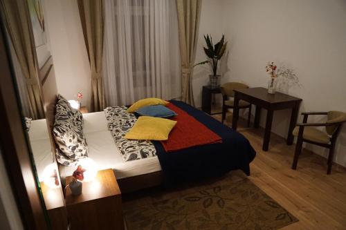 HotelEsfand Hostel