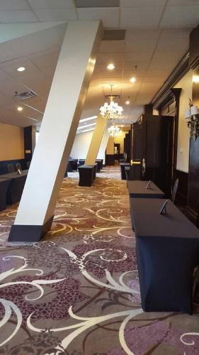 Apa Hotel Woodbridge - Iselin, NJ 08830