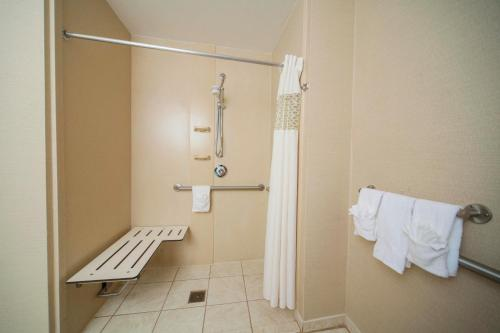 Hampton Inn & Suites Valdosta/Conference Center - Valdosta, GA GA 31601