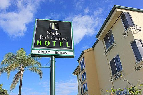Naples Park Central Hotel