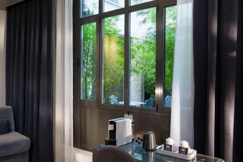 Hotel Mademoiselle photo 21