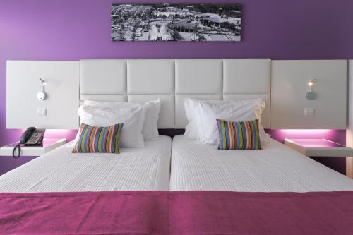 Aquashow Park Hotel Quarteira, Semino, Estrada Nacional 396, 8125-303 Quarteira, Portugal.