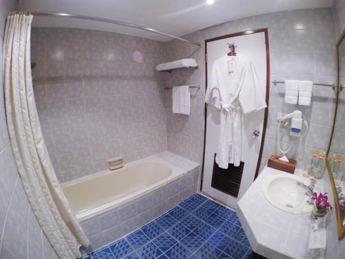City Lodge Soi 9 Hotel photo 36
