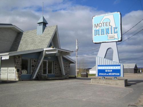 . Motel Manic 2000