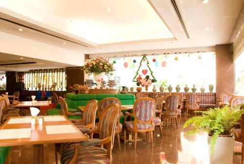 Pratunam Park Hotel photo 12