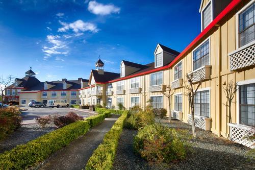 Red Lion Inn & Suites Auburn - Auburn, CA 95603