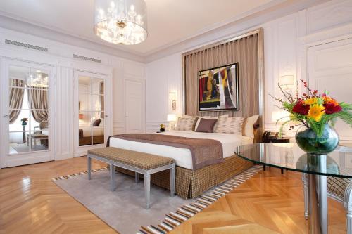 Majestic Hotel Spa - Champs Elysées - Hôtel - Paris