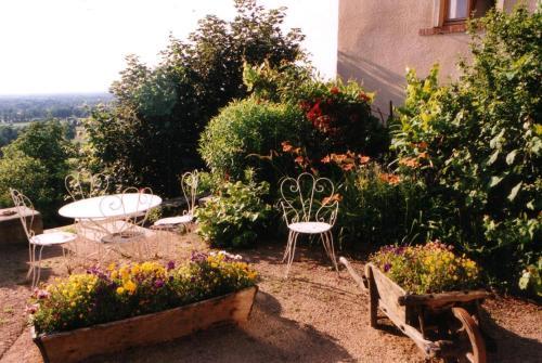 Chambres d'hôtes Le Presbytère - Accommodation - Saint-Cyr-les-Vignes