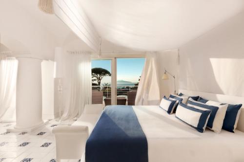 Via Capodimonte 14, 80071 Anacapri, Italy.