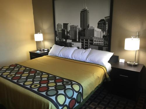 Super 8 By Wyndham Terre Haute - Terre Haute, IN 47802
