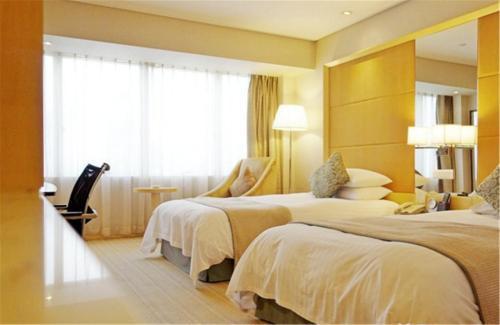Jin Jiang Tower Двухместный номер Делюкс с 2 отдельными кроватями и видом на город