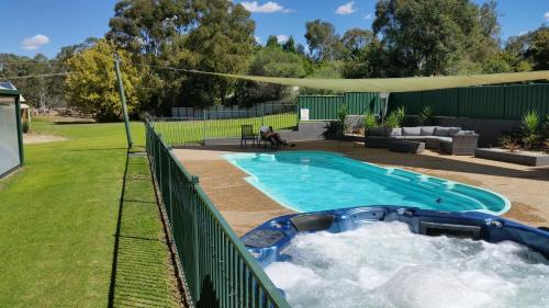 . Early Settlers Motel Tocumwal