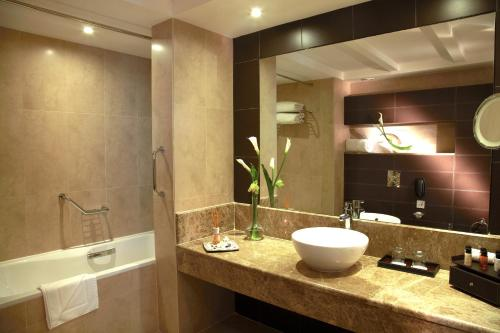 Cristal Hotel Abu Dhabi photo 31