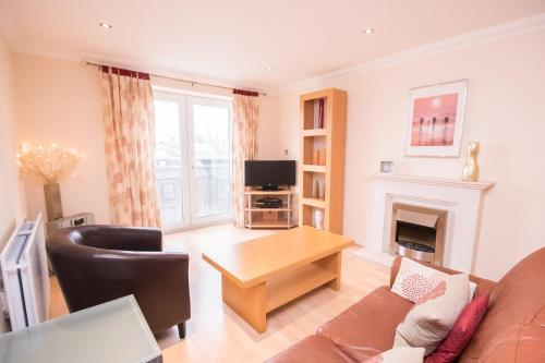 Town Or Country - Central Park Apartments, Southampton