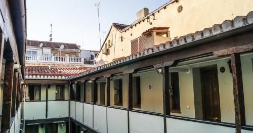Costanilla de San Vicente 4, 28004 Madrid, Spain.