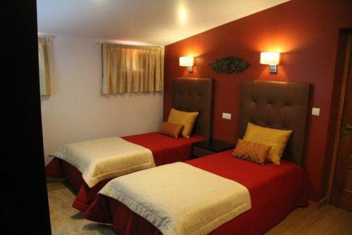 Hotel Katia, Chaves