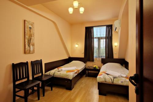 Family Hotel Marsina - Photo 5 of 17