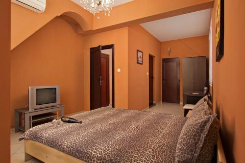Family Hotel Marsina - Photo 8 of 17