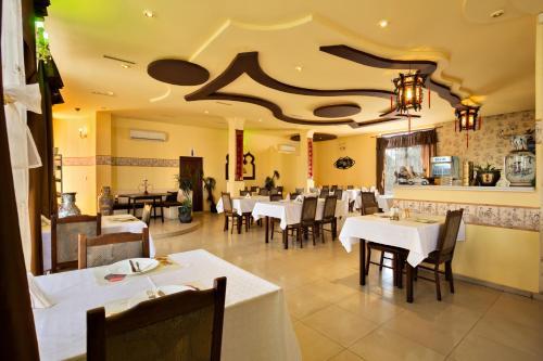 Family Hotel Marsina - Photo 6 of 17
