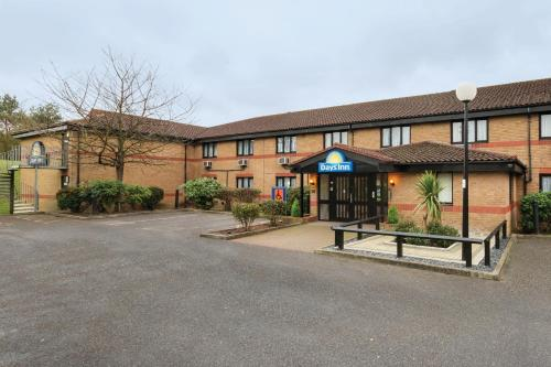 Days Inn London Stansted Airport - Hotel - Stansted Mountfitchet