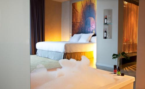 Suite with Spa Access - single occupancy Hotel Viura 34