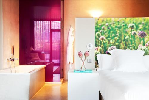Suite with Spa Access - single occupancy Hotel Viura 1