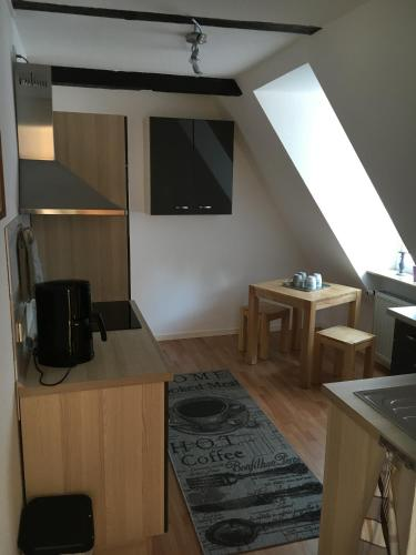 Apartament - etajul 2 (Apartment - Second Floor)