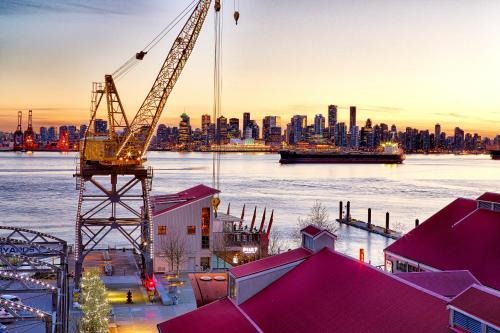 Hotels Vacation Rentals Near North Vancouver Bc Trip101