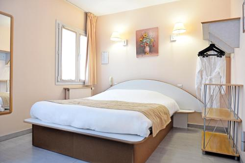 . Hotel De Rosny