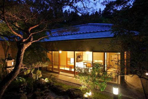 Luxury Family Room with Tatami Area and Open Air Bath