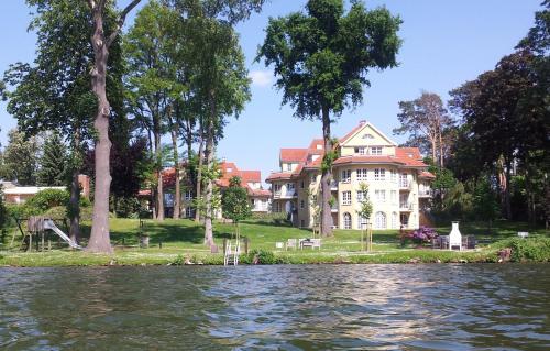 . Seeblick Apartments