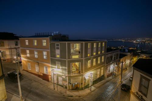 . Casa Galos Hotel & Lofts