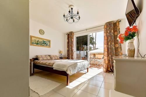 Hotel Apartments Tenerife First