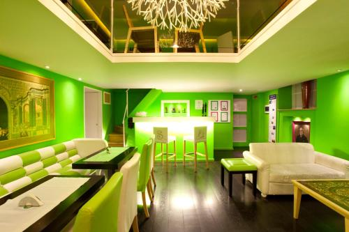 . Sorrento Apartments