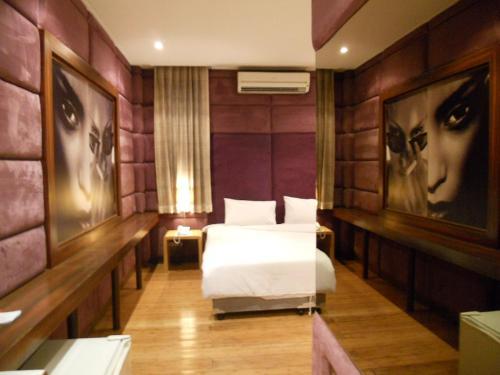 Strand Inn Hotel impression