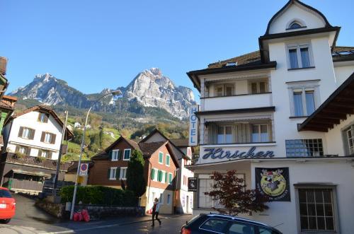Hirschen Backpacker-Hotel&Pub - Accommodation - Schwyz