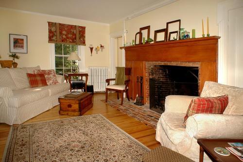 Benjamin F. Packard House Bed And Breakfast - Bath, ME 04530