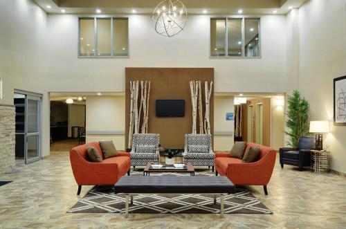 Pomeroy Inn and Suites Vermilion
