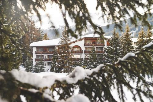 Hotel Waldhuus Swiss Quality