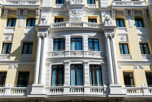 Calle Gran Vía 10, 28013 Madrid, Spain.
