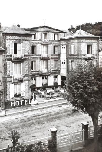 Apartamentos le colibri 1 etretat rumbo for Appart hotel etretat