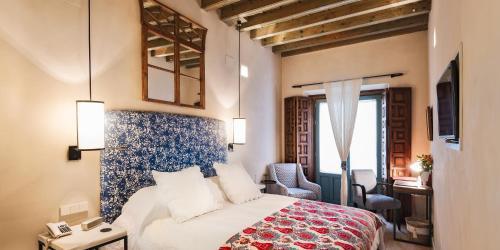 Habitación Deluxe con cama extragrande Hotel Boutique Corral del Rey 32
