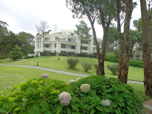 . Green Park Exclusive Apartment