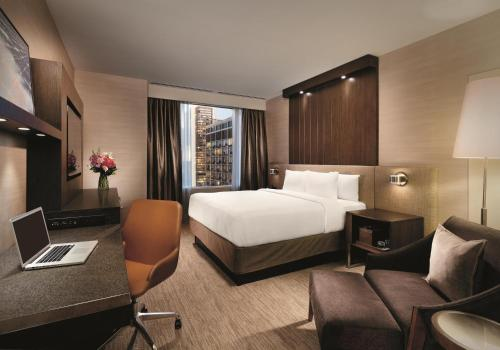 Hyatt Centric Chicago Magnificent Mile Номер с кроватью размера «king-size»