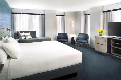Hyatt Centric Fisherman's Wharf San Francisco Business Room with King Bed or Two Double Beds
